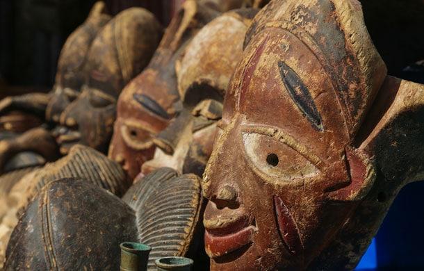 decolonize museums